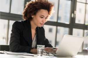 choisir agence de communication relationnel 300x200 - Bien choisir son agence de communication