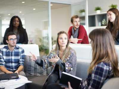 comment choisir son agence de community management 400x300 - Grid No Margins